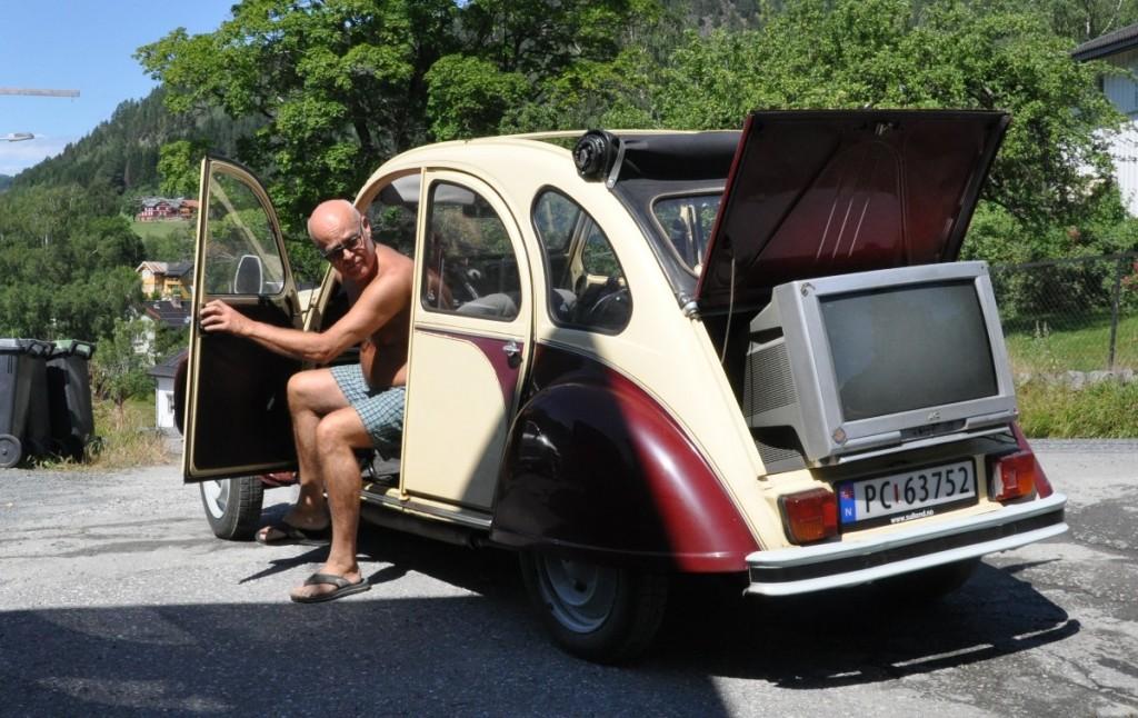 Tv-en blei litt stor for bagasjerommet....