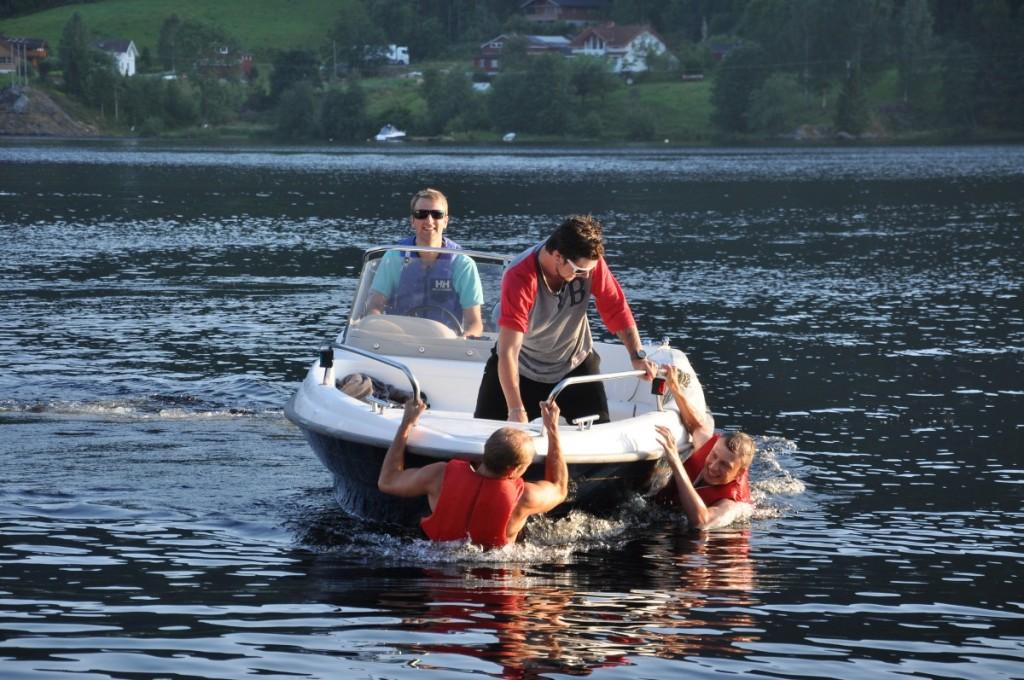 Kjekt med båt til Kviteseid....No blir det mange turar hit med vener!